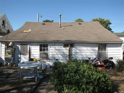 512 N 1ST ST, BELLEVILLE, IL 62220 - Photo 2