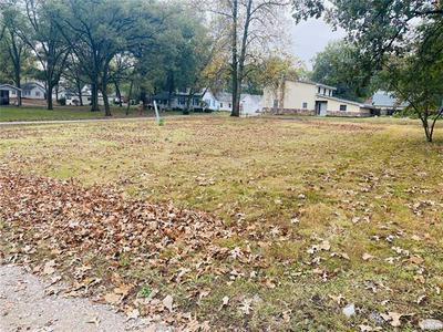 201 E WHITE ST, Freeburg, IL 62243 - Photo 2