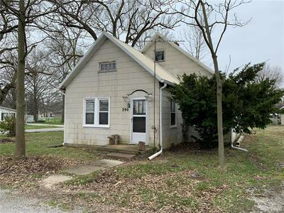 390 E WILSON ST, Beckemeyer, IL 62219 - Photo 1