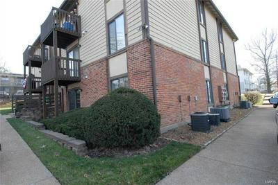 1021 ADWORTH DR APT A, St Louis, MO 63125 - Photo 2