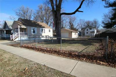 920 S PASFIELD ST, Springfield, IL 62704 - Photo 2