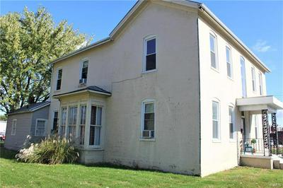 1011 FRANKLIN ST, Carlyle, IL 62231 - Photo 2