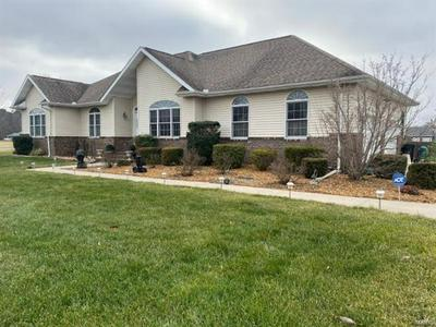 1712 HICKORY TRL, Carbondale, IL 62902 - Photo 2