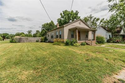 105 S MANNERING ST, Royalton, IL 62983 - Photo 1