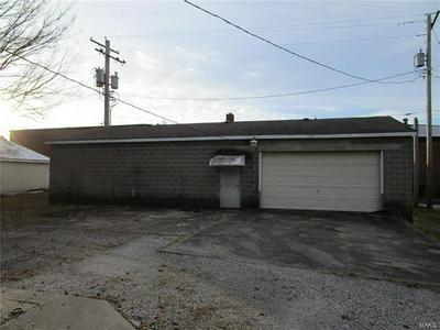 226 E LYONS ST, Marissa, IL 62257 - Photo 2