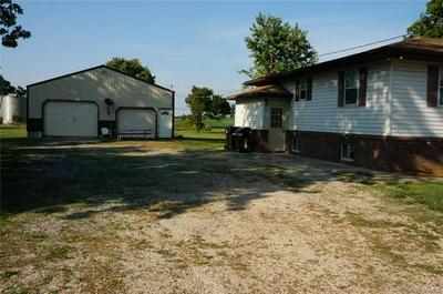 135 E BRIDGE ST, Nebo, IL 62355 - Photo 2