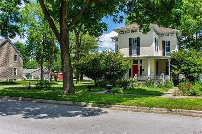 703 WASHINGTON ST, Highland, IL 62249 - Photo 2