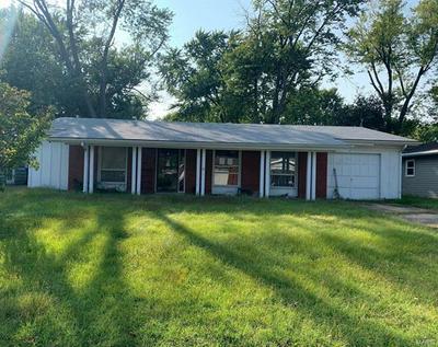 206 MCKNIGHT RD, Fairview Heights, IL 62208 - Photo 1