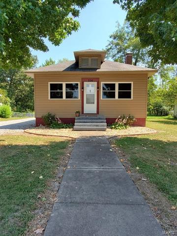 206 MCLEANSBORO STREET, Benton, IL 62812 - Photo 2