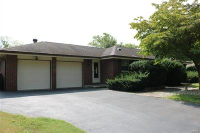14 FAIRVIEW DR, Fairview Heights, IL 62208 - Photo 2