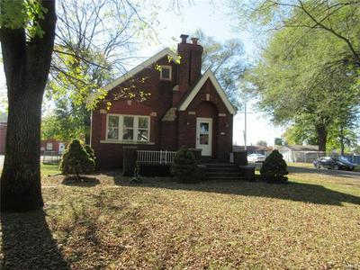 120 W WASHINGTON ST, Caseyville, IL 62232 - Photo 2