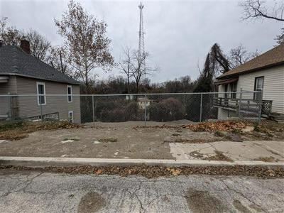 1264 STATE ST, Alton, IL 62002 - Photo 2