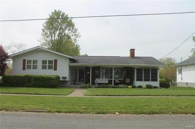 2107 DEWEY ST, Murphysboro, IL 62966 - Photo 1
