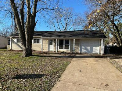 805 SAINT PAUL LN, O'Fallon, MO 63366 - Photo 1