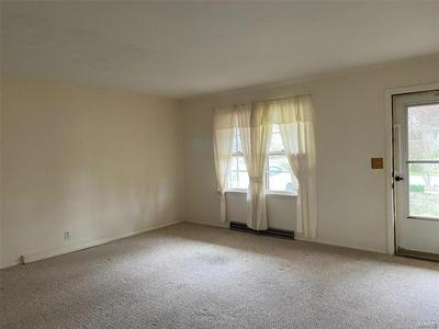 706 S TAYLOR DR, CARBONDALE, IL 62901 - Photo 2