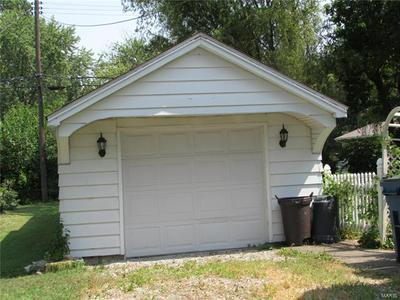 301 SHERIDAN ST, Bethalto, IL 62010 - Photo 2