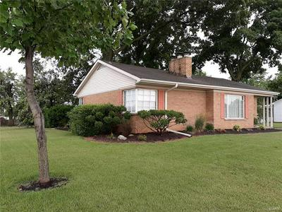 1010 N MAPLE ST, Sparta, IL 62286 - Photo 2