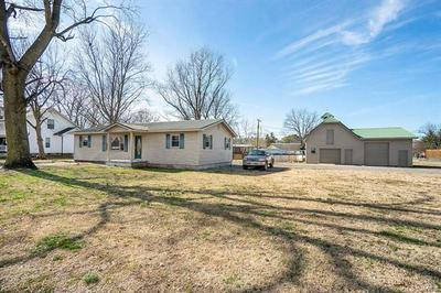 207 S RUSSELL ST, ORAN, MO 63771 - Photo 2