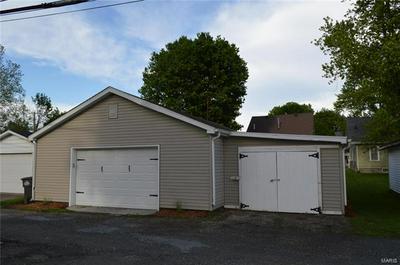 209 4TH ST, Carrollton, IL 62016 - Photo 2