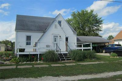 421 E 4TH ST, Ramsey, IL 62080 - Photo 2