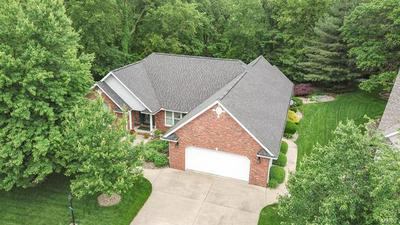 5403 WHISPERING WOODS DR, Godfrey, IL 62035 - Photo 2