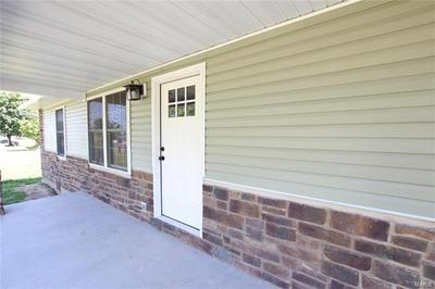 705 W PARKVIEW DR, Belle, MO 65013 - Photo 2