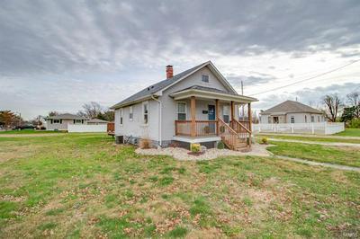 305 HIGH ST, Jerseyville, IL 62052 - Photo 2