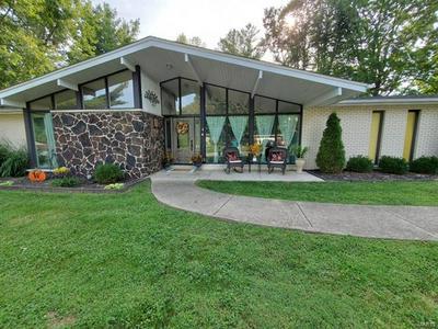 4 E BEACON HILL RD, Fairview Heights, IL 62208 - Photo 1