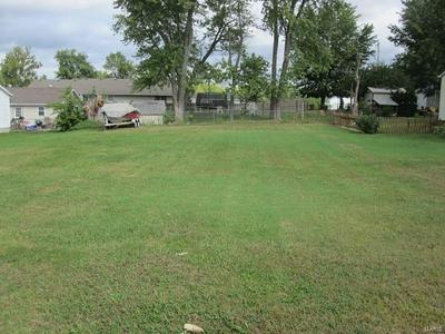 603 4TH ST, Jerseyville, IL 62052 - Photo 2
