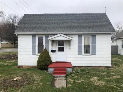 327 W IOWA ST, TRENTON, IL 62293 - Photo 1