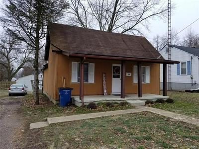 850 E OAK ST, GREENVILLE, IL 62246 - Photo 1