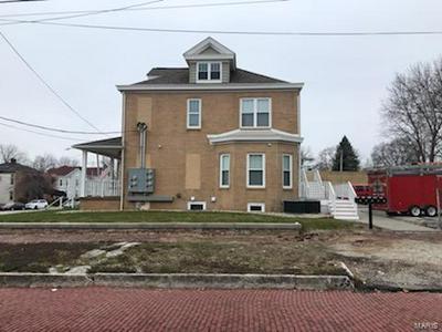 601 HENRY ST # B, ALTON, IL 62002 - Photo 2