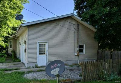 521 W JACKSON ST, Auburn, IL 62615 - Photo 2