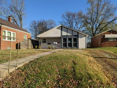 712 N KEEBLER AVE, Collinsville, IL 62234 - Photo 2