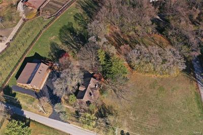15 WEST DR, Chesterfield, MO 63017 - Photo 2