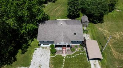 805 ROTARY ST, Gillespie, IL 62033 - Photo 2
