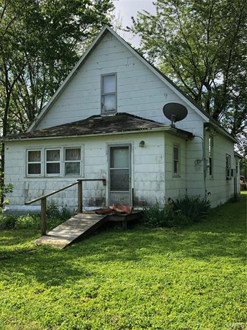 104 W UNION ST, Donnellson, IL 62019 - Photo 1