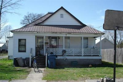 307 N BUCHANAN ST, BENTON, IL 62812 - Photo 1