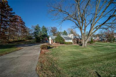 12309 CRYSTAL VIEW LN, St Louis, MO 63131 - Photo 2