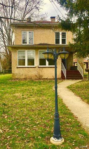 421 S 5TH ST, GREENVILLE, IL 62246 - Photo 1