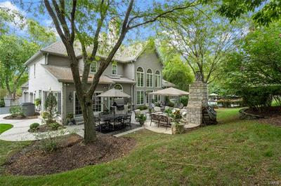 2011 KINGSPOINTE DR, Chesterfield, MO 63005 - Photo 2