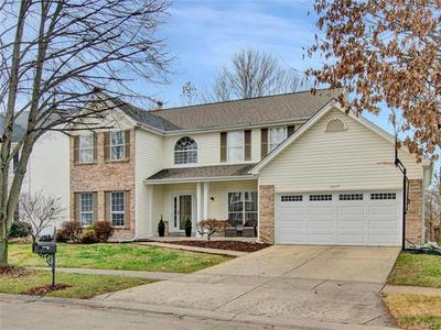 16917 CRYSTAL SPRINGS DR, Chesterfield, MO 63005 - Photo 2