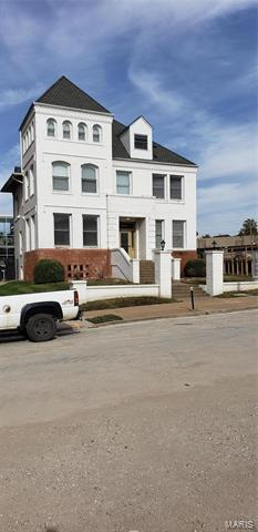 3805 LINDELL BLVD, St Louis, MO 63108 - Photo 2