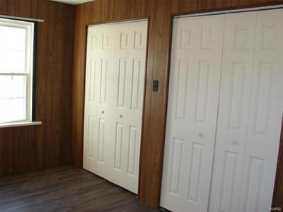727 S SAINT LOUIS ST, Sparta, IL 62286 - Photo 2