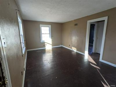 112 NATIONAL TER, Collinsville, IL 62234 - Photo 2