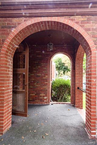 7422 MELROSE AVE, St Louis, MO 63130 - Photo 2