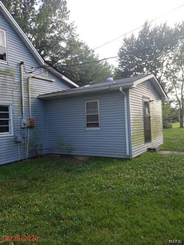 1303 N WATERWORKS RD, Okawville, IL 62271 - Photo 2