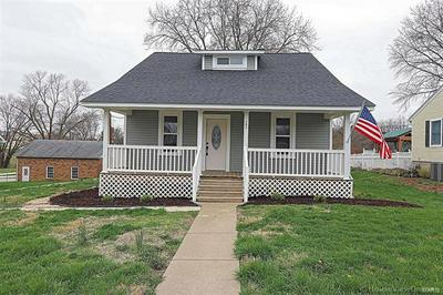 706 N MAIN ST, Perryville, MO 63775 - Photo 2