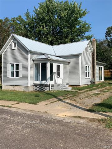 323 WALNUT ST, Sullivan, MO 63080 - Photo 1