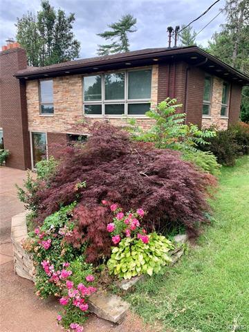 154 HOLLYHOCK LN, Edwardsville, IL 62025 - Photo 1